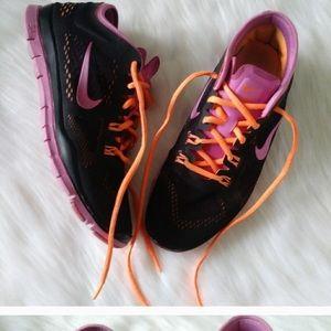 Nike women's free 5.0 black with pink &orange sz 9